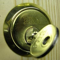 Lockforce 24 hour Locksmiths in Wakefield Yale Lock